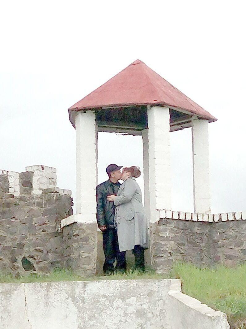 Перший поцілунок під час зустрічі у Бережанах  на Тернопільщині.