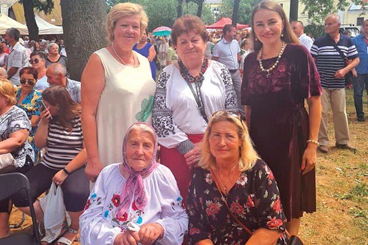 Молодше покоління Союзу українок учиться у пані Любові патріотизму й активної життєвої позиції.