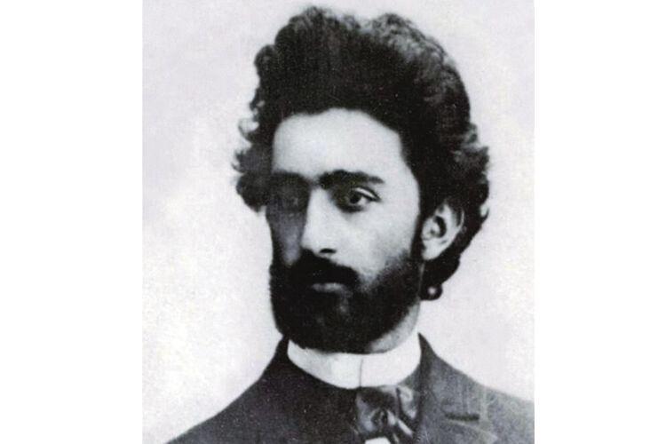 Дослідники кажуть, що грузину Нестору поетеса присвятила вірші «Як я умру…», «Так прожила я цілу довгу зиму»,  «Не дорікати слово я дала…»