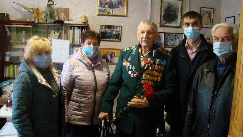 Ветерану Костянтину Чеснокову сьогодні 96 років.