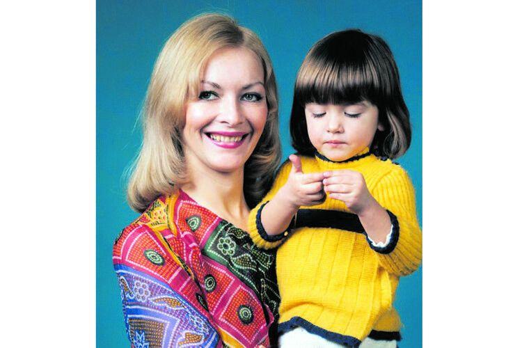 Бася-Барбара була втіхою та надією зіркової мами.