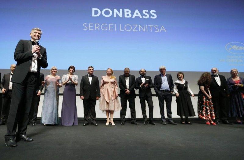 У програмі Каннського кінофестивалю «Особливий погляд» приз за режисуру отримав українець Сергій Лозниця, який привіз на Лазурний берег саме кінострічку «Донбас».