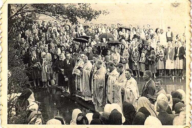 Храмовий празник церкви Cвятих мучеників Макавейських у 1930-х роках.