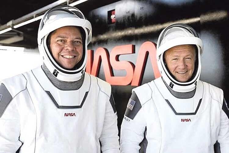 Роберт Бенкен (зліва) і Дуглас Херлі: зараз ці хлопці дивляться на нас із висоти десь так 415 кілометрів.