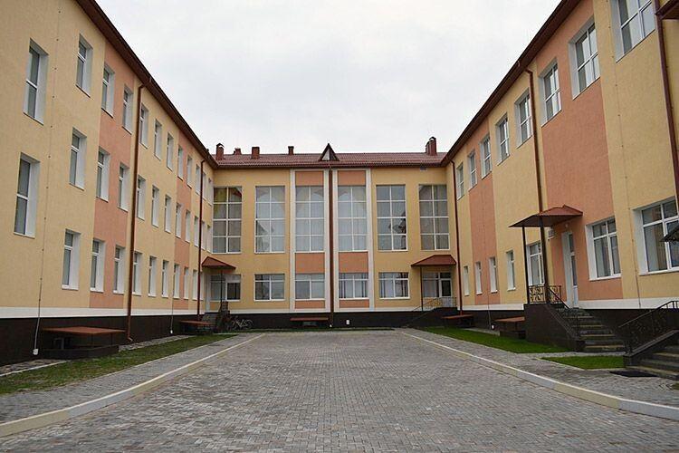 Приміщення сільського навчального закладу збудоване заєвропейськими стандартами.