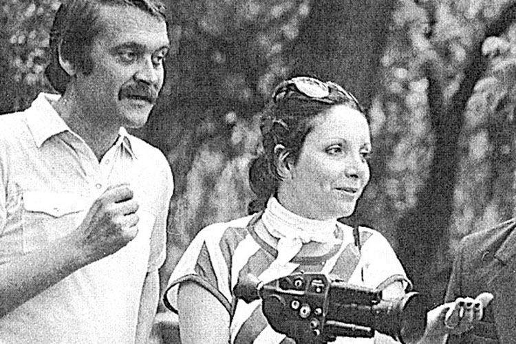 Французька режисерка, зачудована українською природою та людьми, багато фільмувала на камеру.