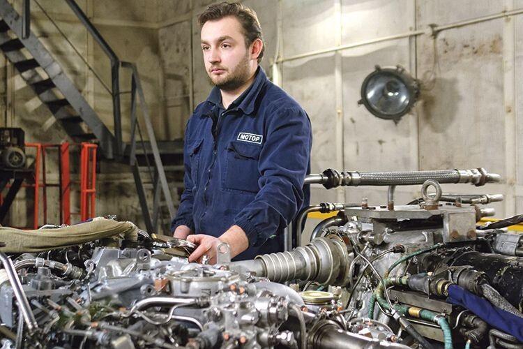 Випробувач-механік авіаційних двигунів Ігор Ігорович Гроховчук добре опанував усі тонкощі професії.