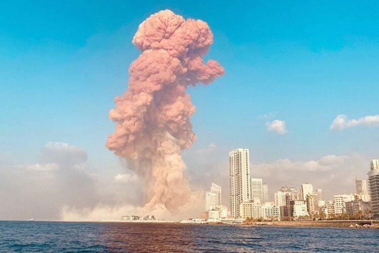 Грибоподібну хмару було видно задесятки кілометрів від місця трагедії.
