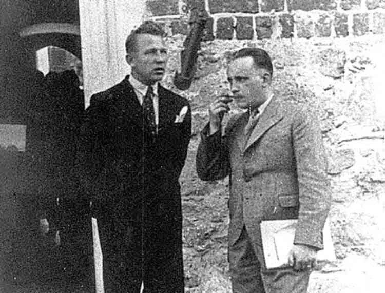 Ян Фітцке (ліворуч) тапольський краєзнавець Юліан Неч насхідцях замку Любарта. 1938рік.