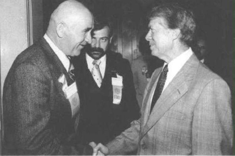 Завдяки Петру Григоренку світ значно більше дізнався про репресії в Союзі  та дисидентський рух. Фото із президентом США Джиммі Картером.