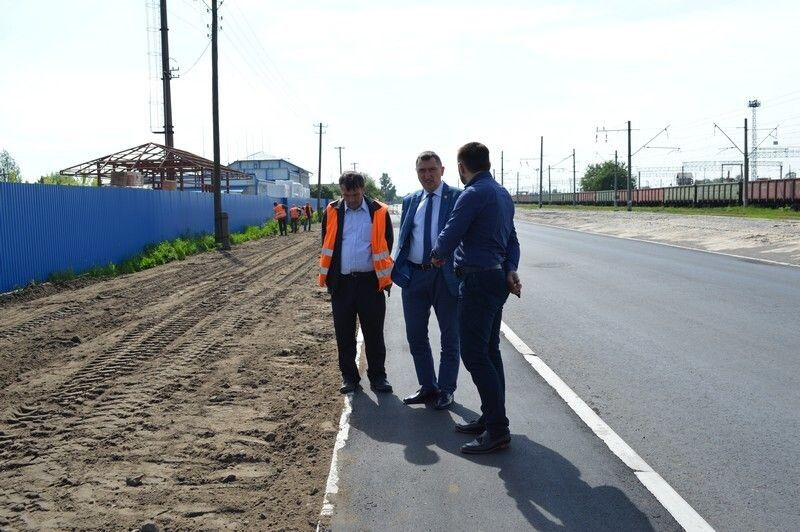 Проінспектував хід виконання робіт міський голова Олег Кіндер зі своїм заступником Андрієм Товстигою.