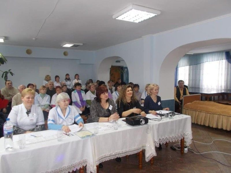Учасниць підтримували і оцінювали працівники закладу. Фото Лесі ВЛАШИНЕЦЬ.