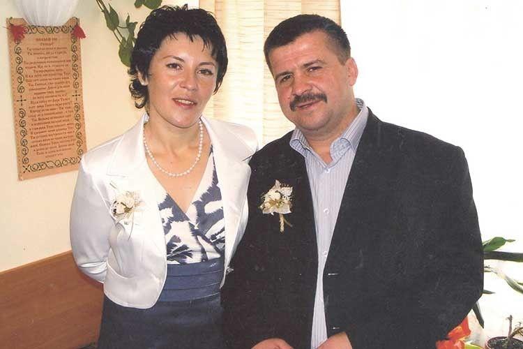 Вони зустрілися у своєму новому житті й одружилися.