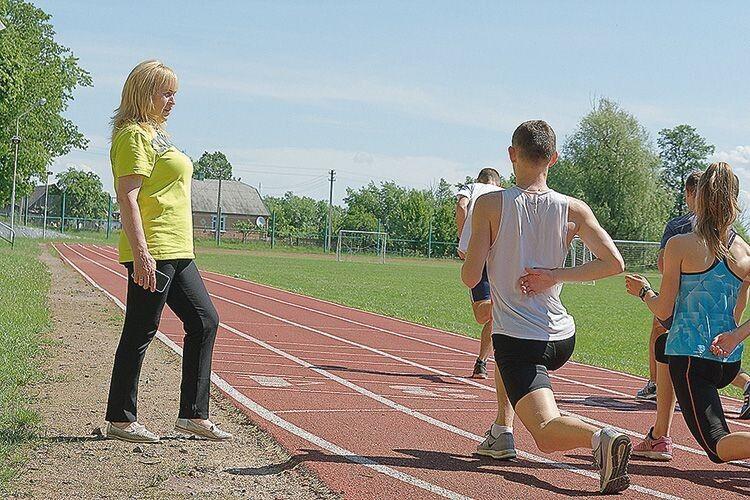 Для юних спортсменів Валентина Іванівна є не просто тренером,  а справжнім авторитетом.
