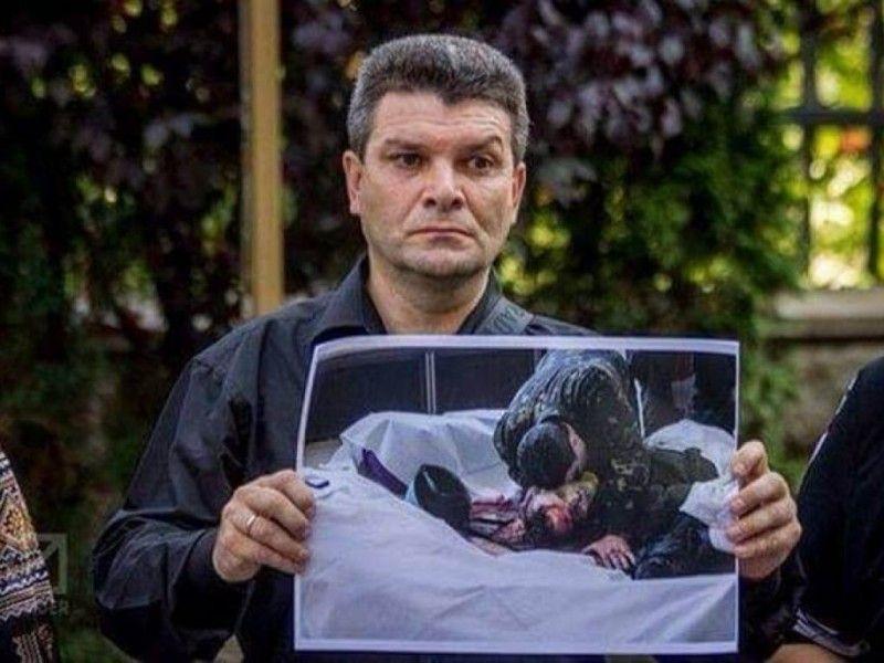 Сьогодні Володимир Голоднюк займається волонтерством, формує гуманітарні вантажі у себе на Тернопільщині і збирає інформацію про розстріляних на Майдані.