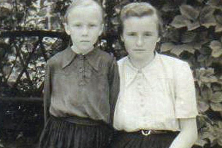 Софія Буско (справа) з сестрою Катериною.