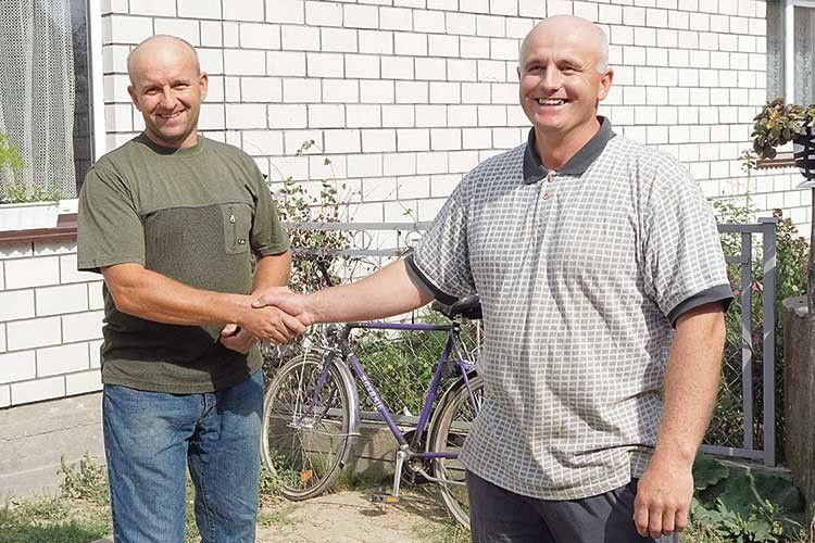 Юрій (справа) і його брат Володимир — теж глава багатодітної сім'ї.