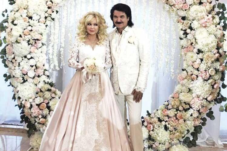 Торік подружжя Зібрових гучно відсвяткувало срібне весілля. Гуляли із сотнею гостей  в ресторані Конча-Заспи.
