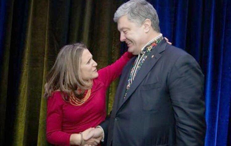 Заступник прем'єр-міністра Канади Христя Фріланд таПетро Порошенко зустрілись, якстарі друзі.