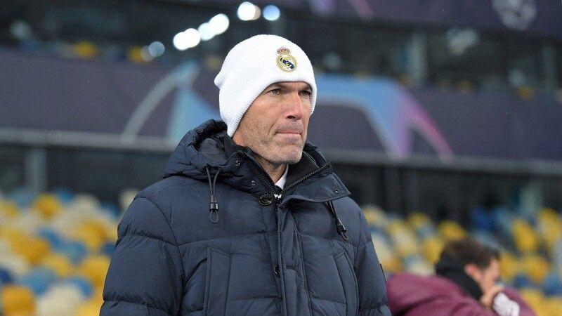 Цього разу візит Зінедіна Зідана до Києва в стильній шапці виявився не фартовим. Фото footballua.tv.