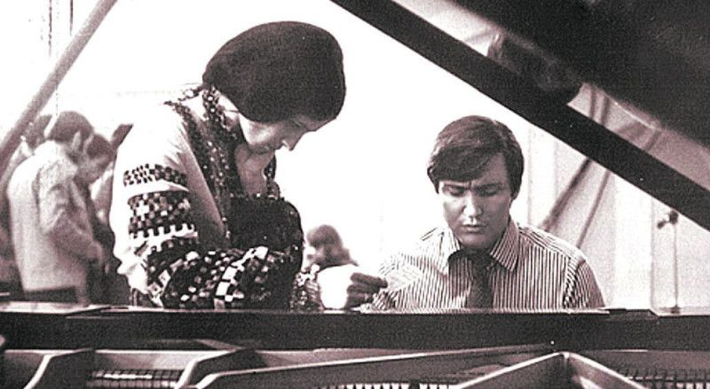 Якось Володимир зізнався, що у своїй пісні бачить її душу... Творчий союз Івасюка і Ротару – один із найяскравіших у вітчизняній музиці.