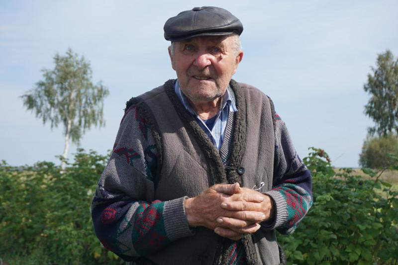 85-річний Адам Попович: «Староста міг того прапора сховати».