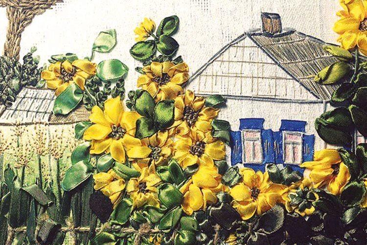 У доробку майстрині багато творів на традиційну українську тематику.