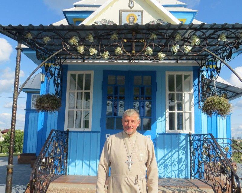 Священик Василь Мураль — духовний батько і добрий господар.