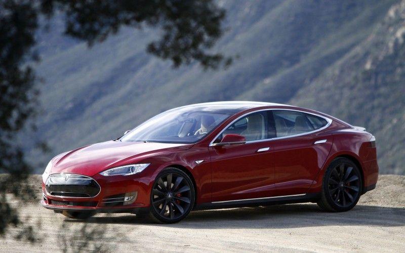 Україна стала першою країною в Європі, де презентували електрокар Tesla Model 3. І це не випадково: наша держава займає 9-те місце у світі за темпами електромобілізації – на вітчизняних дорогах уже налічується понад 8 тисяч таких машин!