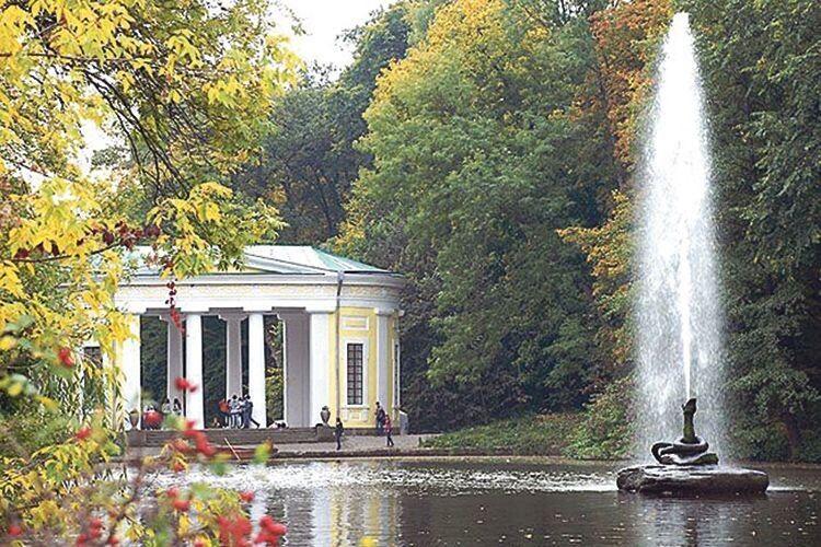 Вічним пам'ятником кохання графа до своєї дружини  залишився дендропарк «Софіївка».