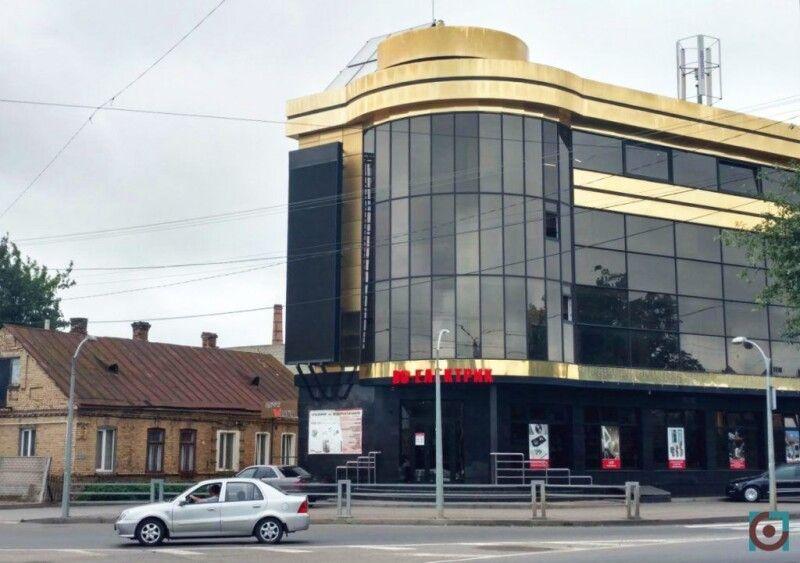 І фірма батька, і фірма сина зареєстровані у Луцьку за однією адресою – вулиця Фабрична 3.