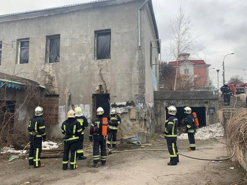 Рятувальники ліквідували загоряння сміття у приміщення 5 кв.м. Фото із сайту rivnepost.rv.ua.