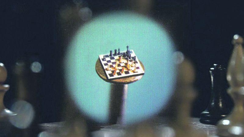 Для Миколи Сядристого і шапочка цвяха – це столик для шахів.