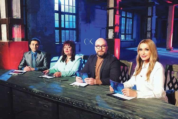 Судді «Битви екстрасенсів» (зліва направо) Хаял Алекперов, Олена Курилова, Павло Костіцин, Ольга Сумська.