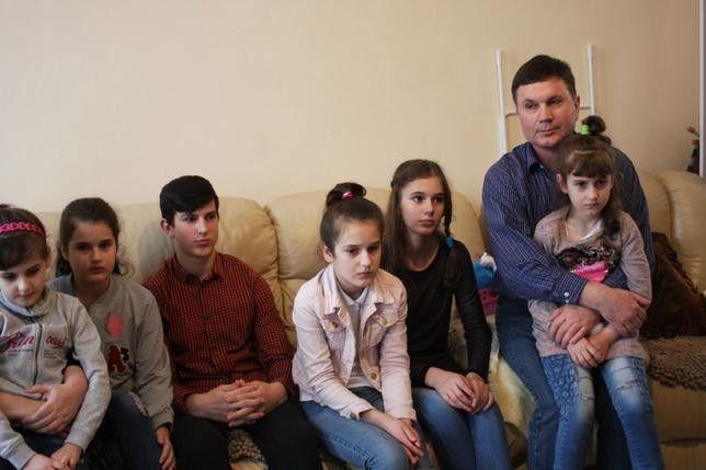 Олена та Вадим Копищики та їхні 10 дітей приїхали до Польщі в 2015 році і оселилися в Легниці.