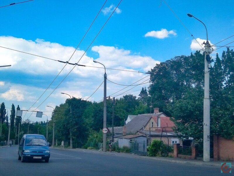 На вулиці Гнідавській встановлять 116 світлодіодних світильників.