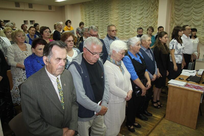 Хвилиною мовчання вшанували присутні пам'ять Анастасії Філатенко