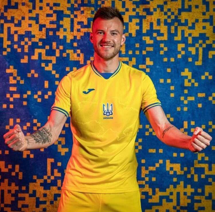 А футболіст Андрій Ярмоленко в новому одязі вже забив два голи: Україна — Кіпр — 4:0.