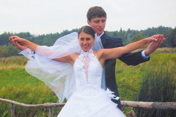 У день весілля фотосесія була на природі, яку вони по-особливому цінують.