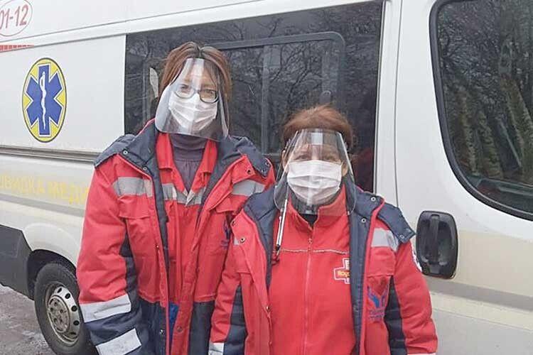 Лікарі швидкої допомоги Луцької центральної районної лікарні вдячні за захисні екрани від PrintingLutsk.
