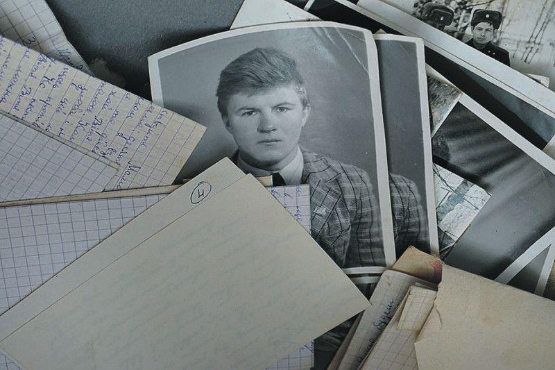 На фотознімках Ігор такий молодий.