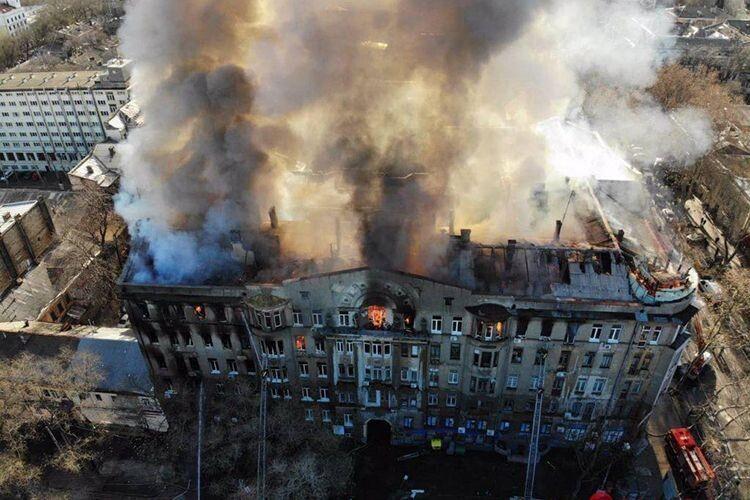 У зв'язку з трагедією в Одесі уряд наказав до 10 січня ретельно перевірити стан протипожежної та техногенної безпеки всіх дитячих садків, шкіл, ВНЗ та гуртожитків.