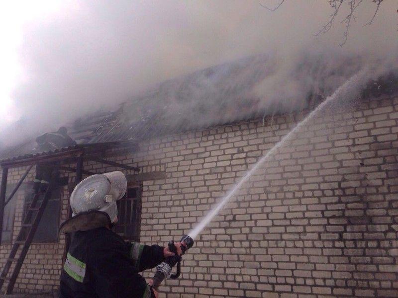 Вогонь приборкували 8 рятувальників.