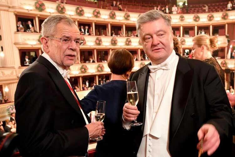 Александер — Петру: «За Україну! І за Австрію!»