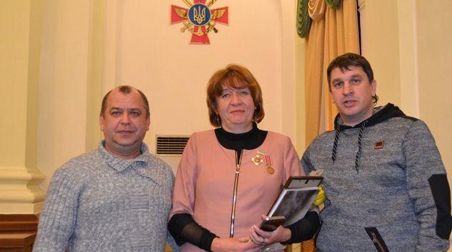 Найдорожчі нагороди для Наталії Калініченко – за допомогу армії. Фото з особистого архіву Наталії КАЛІНІЧЕНКО.
