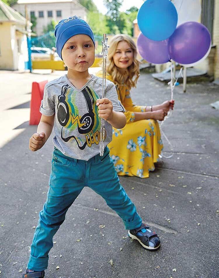 А розповідь про тьотю-фею для таких малюків, як Ромчик, шукайте у сьогоднішньому випуску місячника «Читанка для всіх».