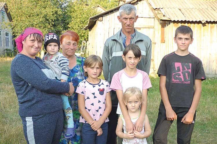 Тішиться родина Лук'янчуків, що глава сімейства з ними.