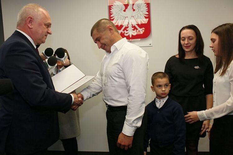 Поляки знайшли спосіб віддячити нашому відважному землякові – громадянством їхньої країни.