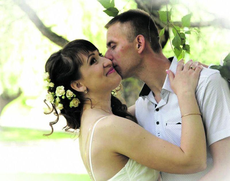 Усі свої радощі й біди тепер Вікторія Мазурок (Зінкевич) ділить  із чоловіком  Володимиром.
