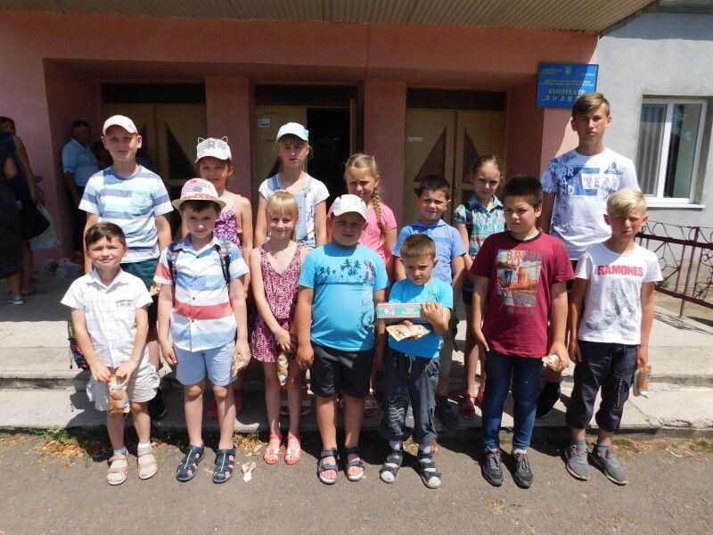 Юні учасники свята. Фото Лесі ВЛАШИНЕЦЬ.